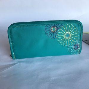 Travelon RFID sage clutch style wallet, Teal